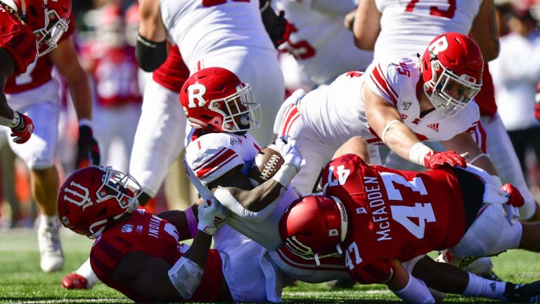Micah McFadden Starting to Dominate at Middle Linebacker for Indiana