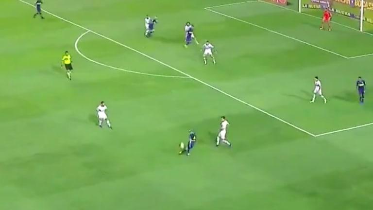 La innecesaria rabona  de Buffarini que desató la furia de los jugadores de San Lorenzo
