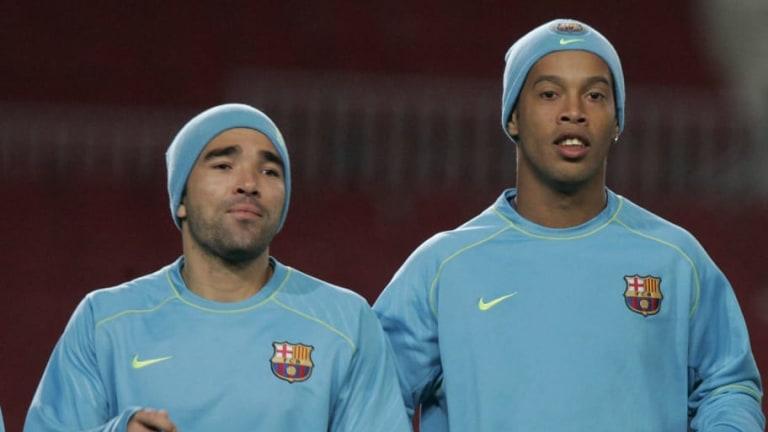 Ex del FC Barcelona acusó de entrenar ebrios a Ronaldinho y Deco a pesar de que no coincidieron