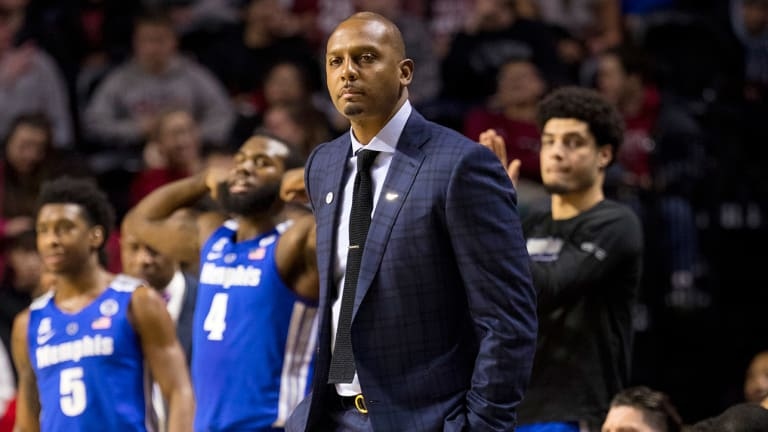 AAC Offseason Report: Power Rankings and Burning Questions for 2019–20