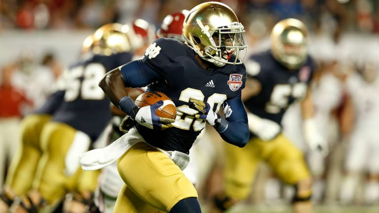 Report: Former Notre Dame RB Cierre Wood Charged With Murder After Girlfriend's Daughter Dies