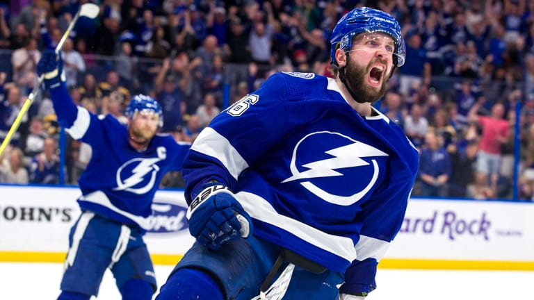 Lightning Huge Favorites to Win Stanley Cup Heading Into the Playoffs