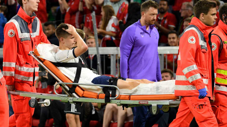 Tottenham Sweat on Juan Foyth Ankle Injury After Defender Is Stretchered Off in Audi Cup Final
