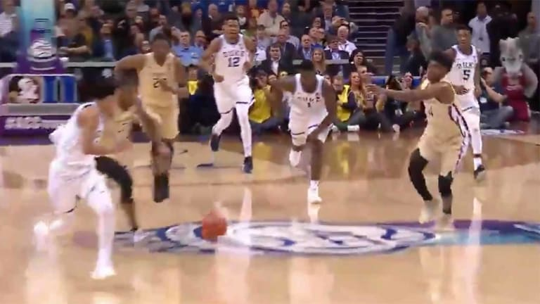 Watch: Zion Williamson's Amazing Bounce Pass to Tre Jones