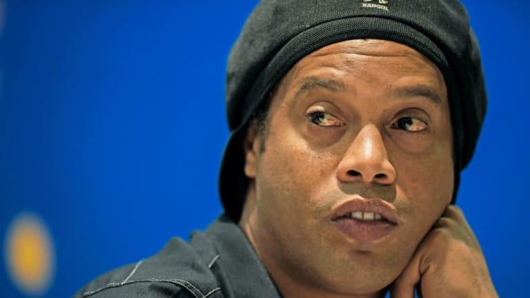 Embargan 57 propiedades a Ronaldinho por deudas económicas