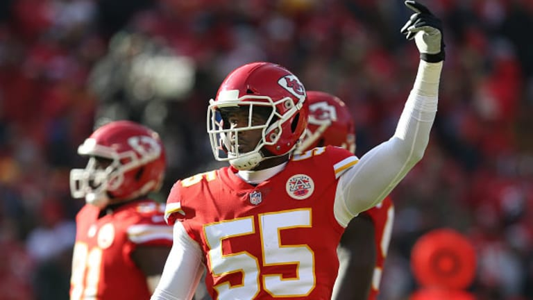 Dee Ford Offsides Penalty Negates Chiefs Interception on Late Patriots Touchdown Drive