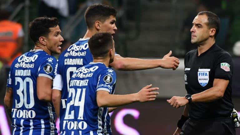 ¿Y EL VAR?   El insólito penal que le cobraron a Palmeiras ante Godoy Cruz en la Copa Libertadores