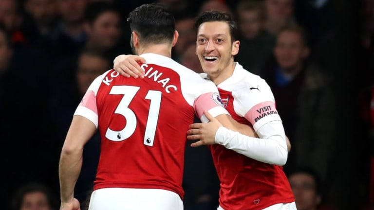 Unai Emery Says He Was 'Proud' of Mesut Ozil's Performance in Resounding Victory over Bournemouth