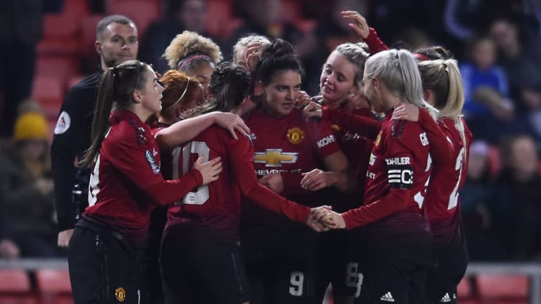 Women's Championship Roundup: Man Utd Close Gap on Tottenham to 2 Points in Title Race