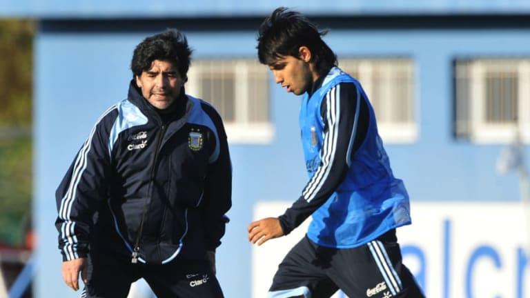 """Diego Maradona: """"Scaloni le faltó el respeto a la pelota al no fichar a Agüero"""""""