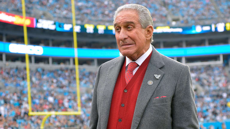 Monday's Hot Clicks: Falcons Owner Arthur Blank Spends $180 Million on 295-Foot Yacht