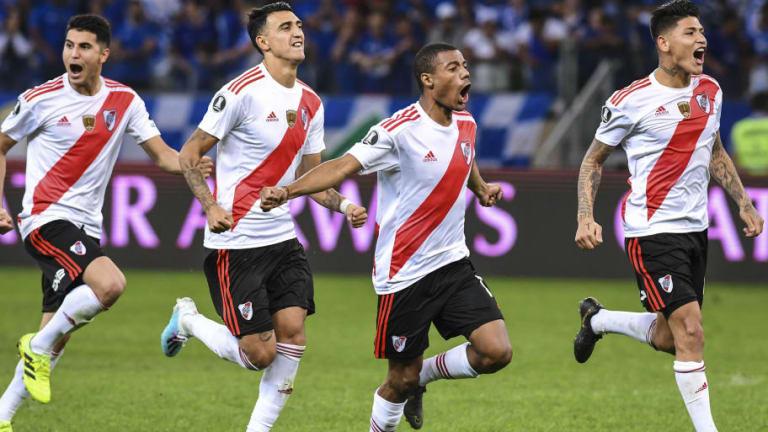 Santiago Colombatto, jugador del Hellas Verona, reveló su deseo de jugar en River