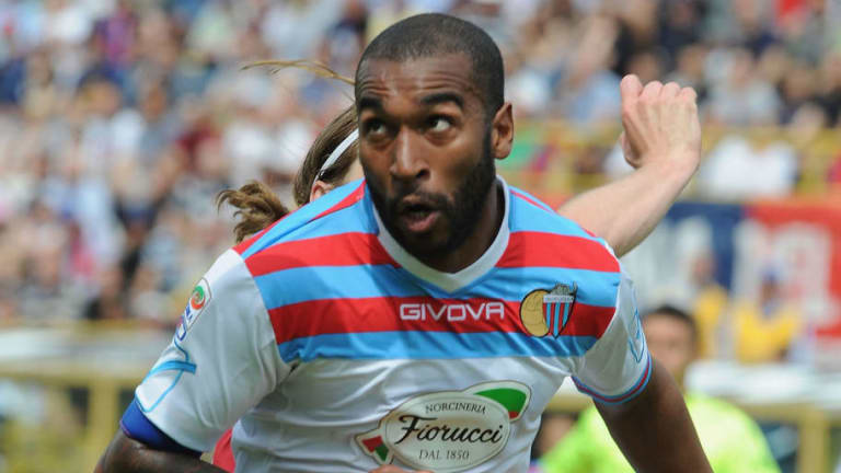 Futbolista acusa a árbitro de hacerle un insulto racista