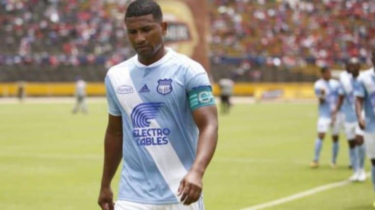 Emelec hizo oficial la salida de Osbaldo Lastra y Jorge Guagua