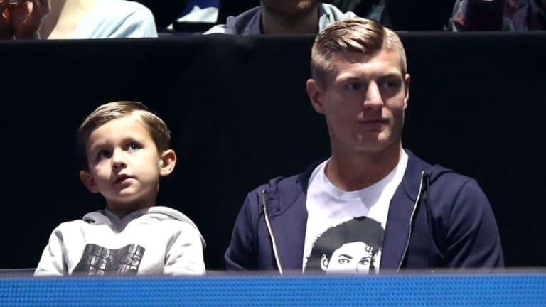 Toni Kroos presentó a su tercer hijo en las redes sociales