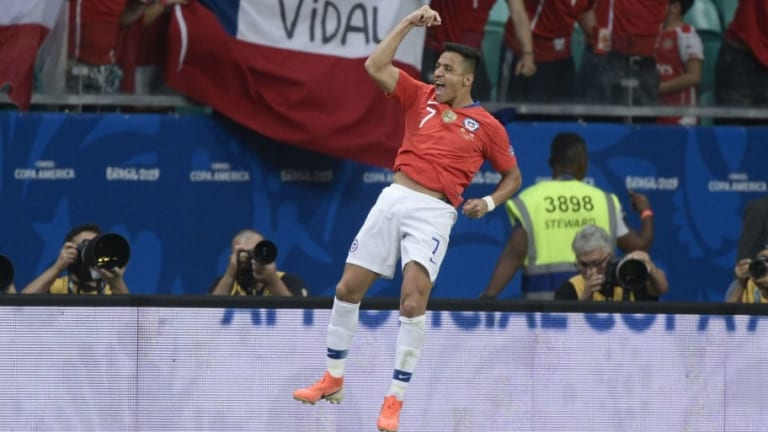 Alexis Sanchez: Man Utd Flop Gets More 'Love' With Chile But That's Not the Only Issue
