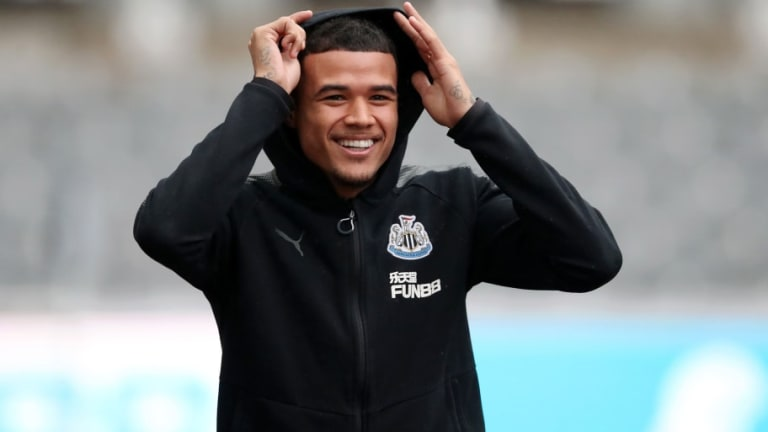 Rafael Benítez Praises Kenedy for His 'Maturity' as the Midfielder Struggles for Playing Time