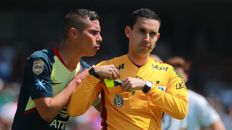 Sancionan a César Arturo Ramos por no pitarle un penal al América