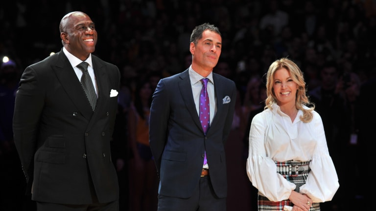 Lakers or Suns? Which Coaching Job Is More Desirable? | The Crossover Podcast