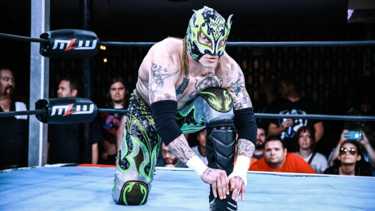 The Week in Wrestling: Lucha Star Fenix Grinds Through a Loaded Schedule