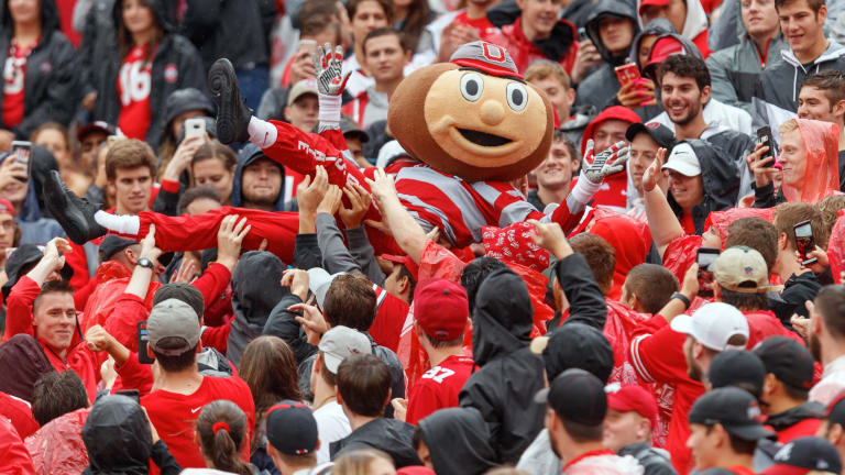 Tuesday's Hot Clicks: Ohio State Fans Ate Eight Tons of Nacho Cheese Last Season