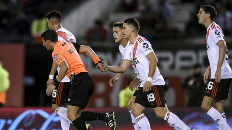 El pésimo nivel del arbitraje está arruinando al fútbol argentino