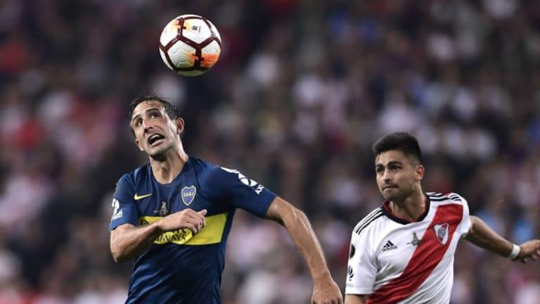 Carlos Izquierdoz dijo que Boca no está para ganar la Copa Libertadores y Burdisso le respondió