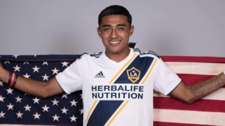 El estadounidense Julián Araujo quiere jugar para México