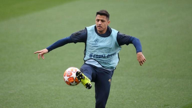Atletico Madrid Consider Move for Alexis Sanchez as Replacement for Antoine Griezmann