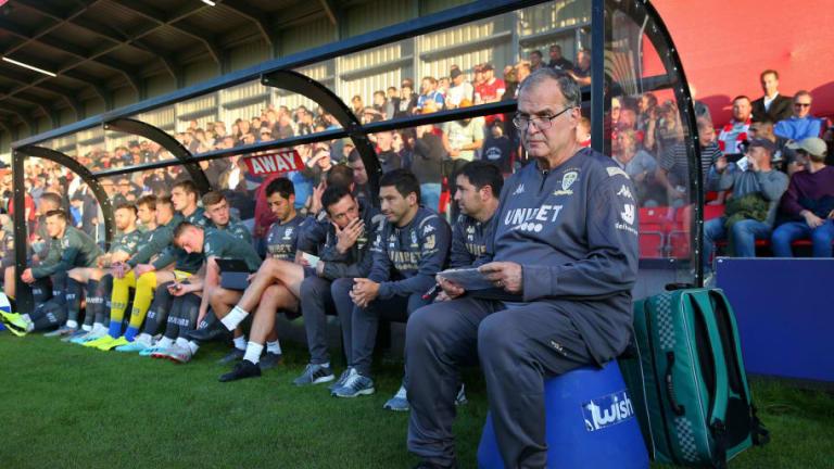 """El consejo de un fanático del Leeds para Bielsa: """"No anuncies la formación del equipo"""""""