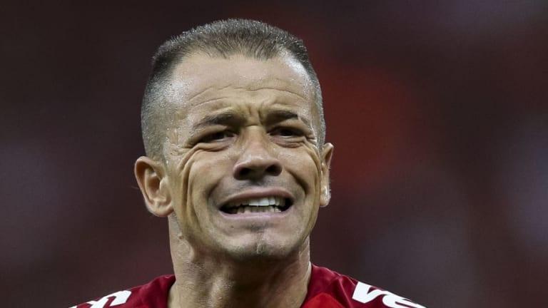 VÍDEO   Andrés D'Alessandro 'enloqueció' con el árbitro por un fallo del VAR