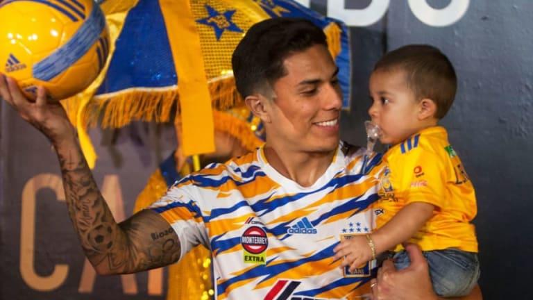 Carlos Salcedo aseguró que Tigres competiría por lugares de Champions en la Bundesliga