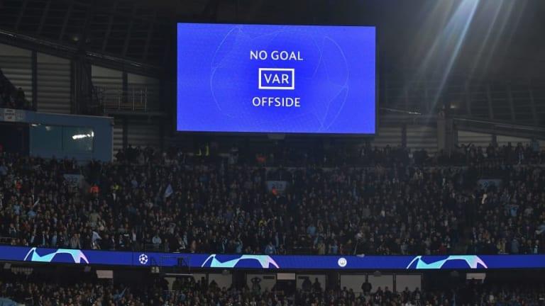 Las diferencias que habrá entre el VAR de la Premier y el de la Champions League