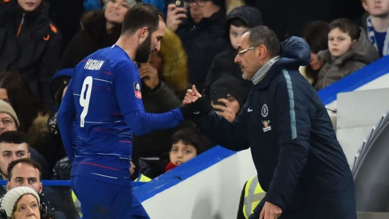 Maurizio Sarri Reveals Gonzalo Higuain Has Admitted to Struggling With 'Difficult' PL Adaptation