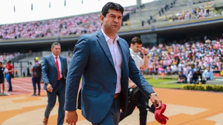 José Cardozo es cesado como director técnico de Chivas