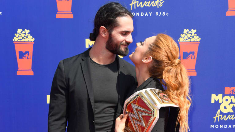 Our WWE couple Seth Rollins and Becky Lynch Announced their Offical Relationship
