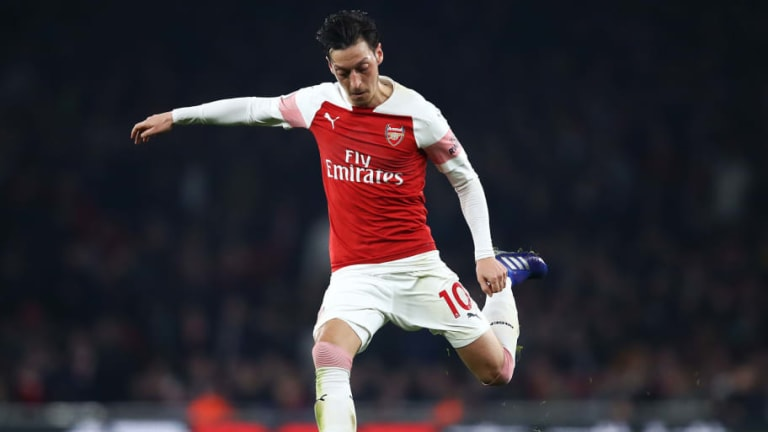 Ian Wright Lauds Mesut Ozil After German's 'Brilliant' Goal for Arsenal against Bournemouth