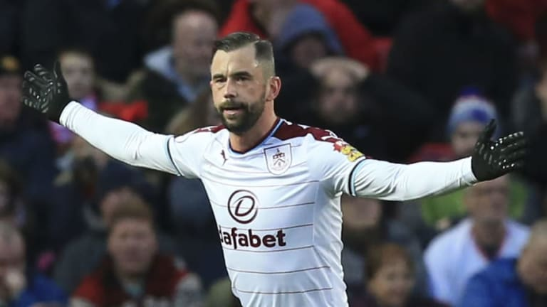 Steven Defour 'Unlikely' to Return This Season After Undergoing Operation on Persistent Calf Issue