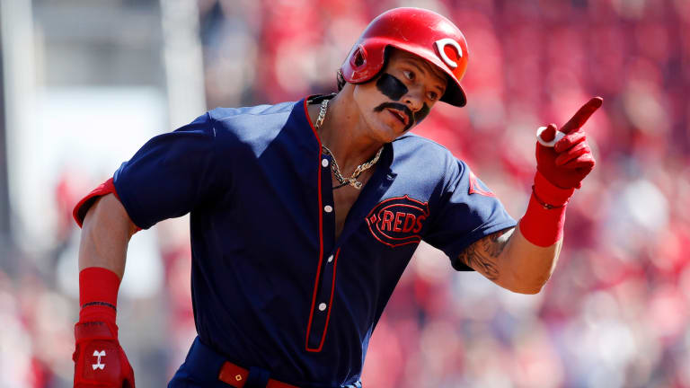 Monday's Hot Clicks: Derek Dietrich Had the Coolest Way of Getting Into the Throwback Spirit