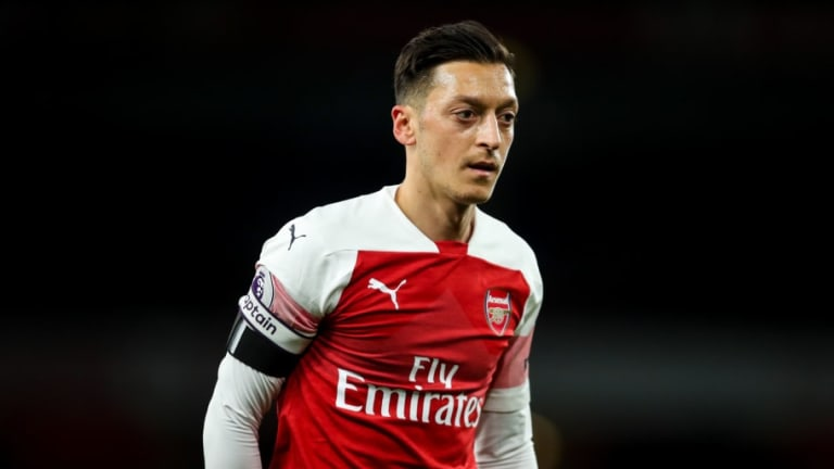 Unai Emery Looking to Sell Mesut Ozil in January to Free Up Transfer Funds