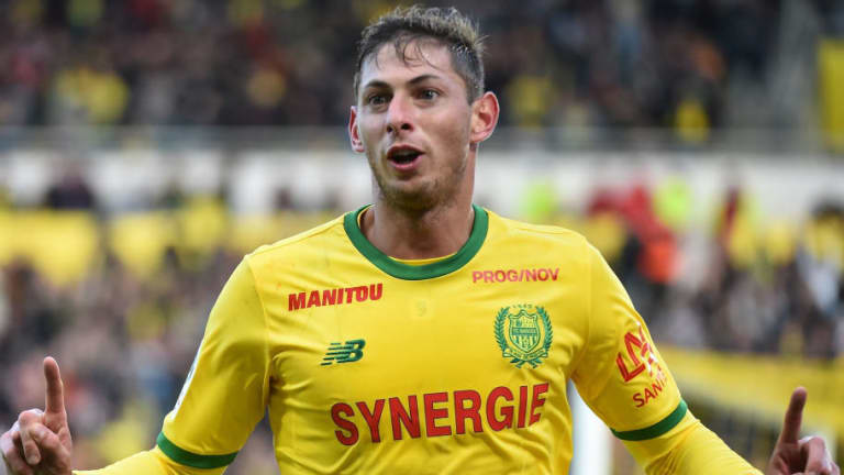 Leaked Messages Appear to Contradict Agent's Claim That Cardiff 'Abandoned' Emiliano Sala to Flight
