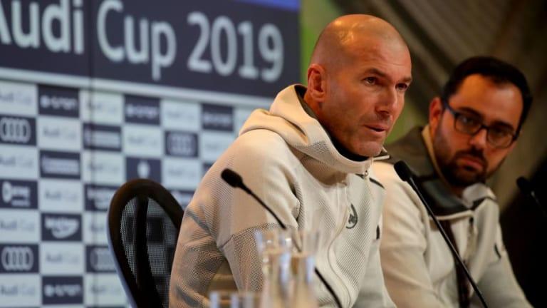 Zidane no cierra la puerta de salida a Mariano Díaz