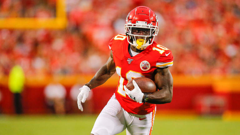 Chiefs, Tyreek Hill Agree to Three-Year, $54 Million Extension