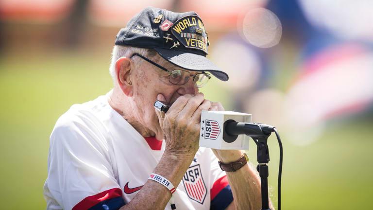 96-Year-Old World War II Veteran Performs Chills-Inducing National Anthem on Harmonica