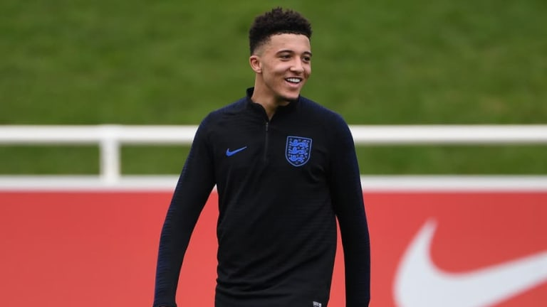 Jadon Sancho or Philippe Coutinho: Who Should Man Utd Sign This Summer & Why