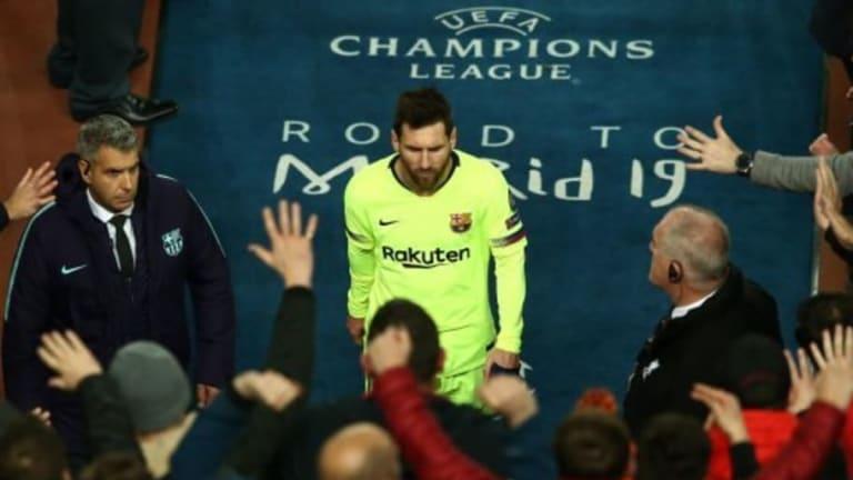 INSÓLITO | El autobús del Barcelona se retira de Anfield y olvida a Leo Messi en el estadio