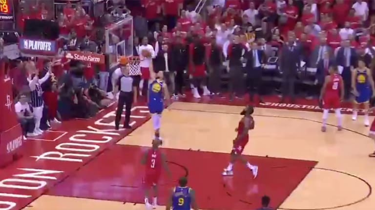 Stephen Curry Blows Wide-Open Dunk as Warriors Fall to Rockets in OT