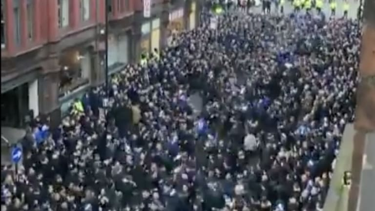 Video: Schalke Fans Take Over Manchester Ahead of Champions League 2nd Leg