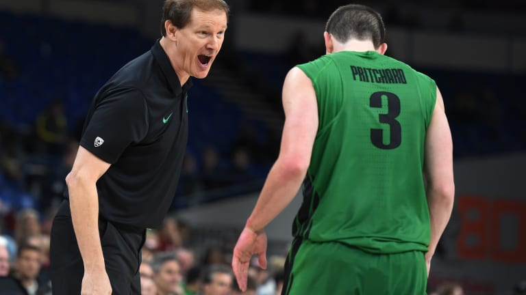 Dana Altman Sticks to His 'Work to Do' Mantra After Encouraging Green-Yellow Scrimmage