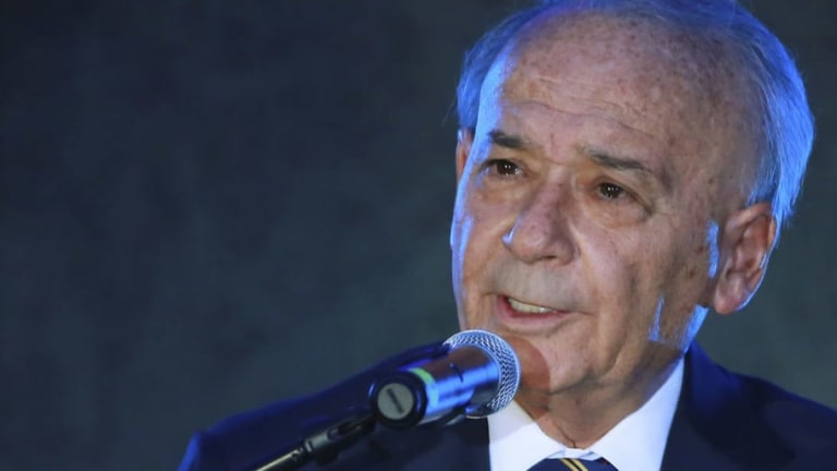Billy Álvarez, dueño del Cruz Azul, es acusado por corrupción